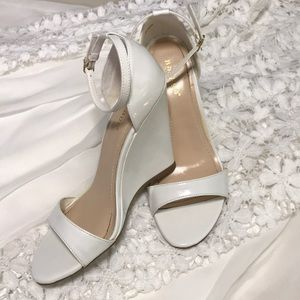 White bamboo wedges 7.5